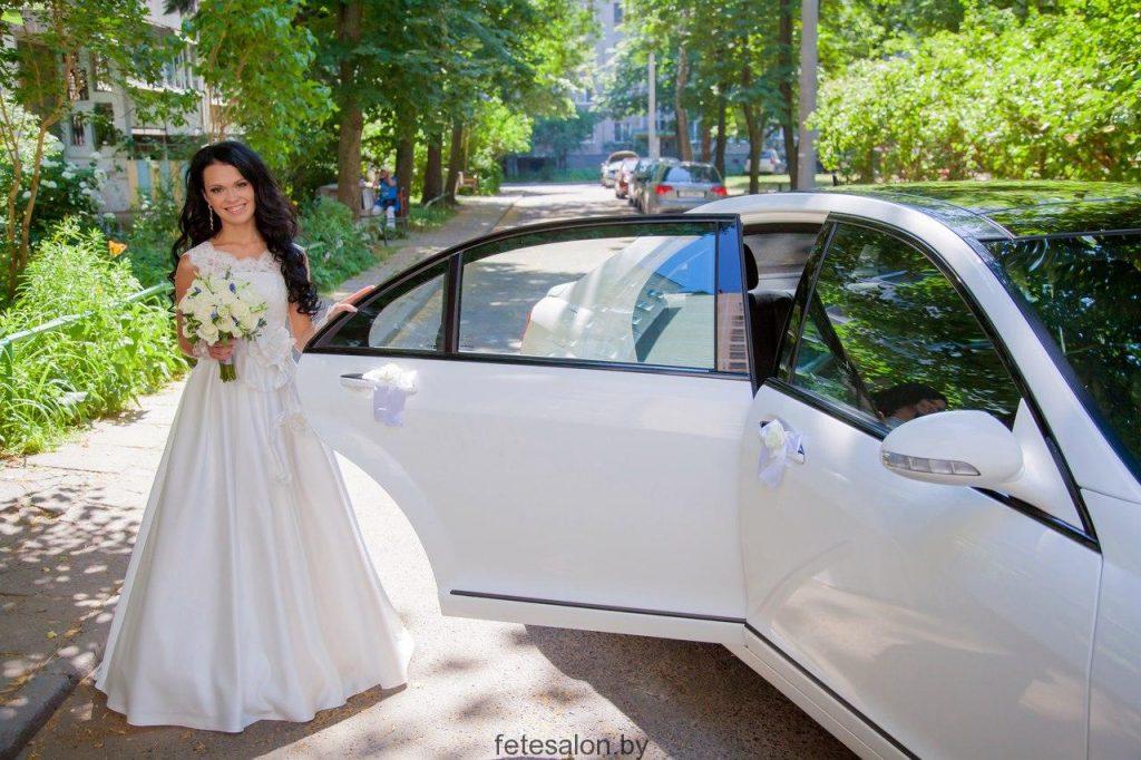 Доставка свадебного платья по Минску