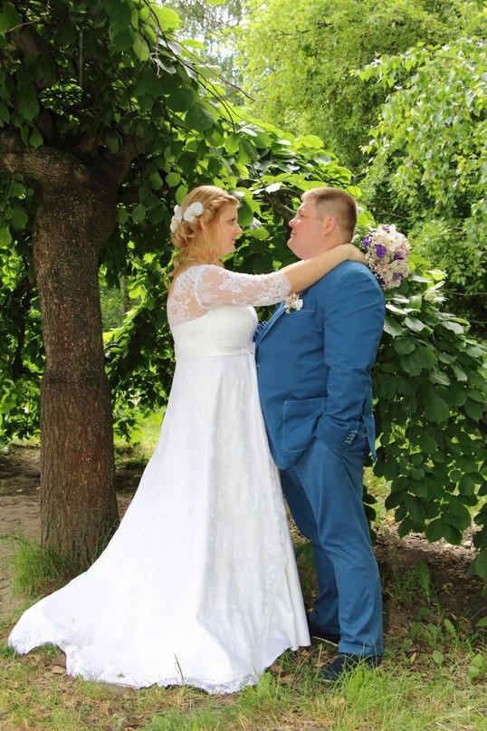 где найти свадебное платье большого размера