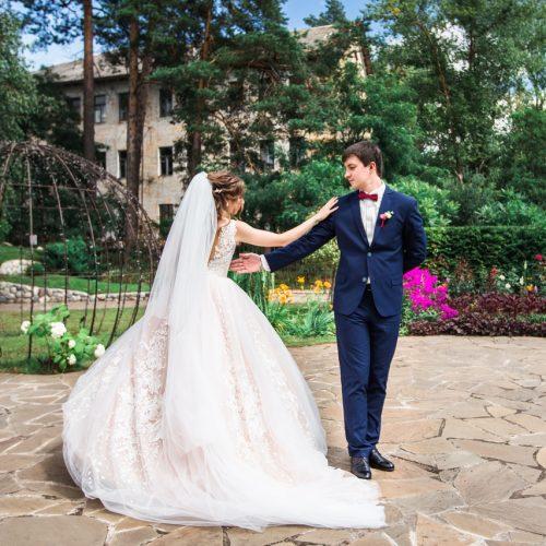 найти лучший свадебный салон минска
