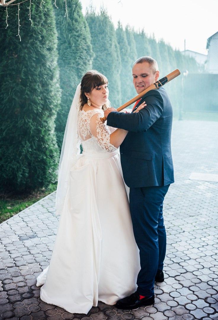 найти свадебное платье большого размера
